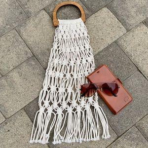 Handbags - 🆕🆕🆕✨MACRAME BOHO HANDBAG W/WOODEN HANDLES✨
